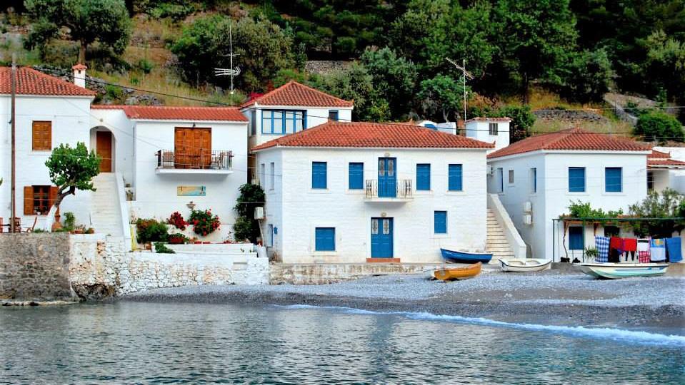 Городок Кипарисси
